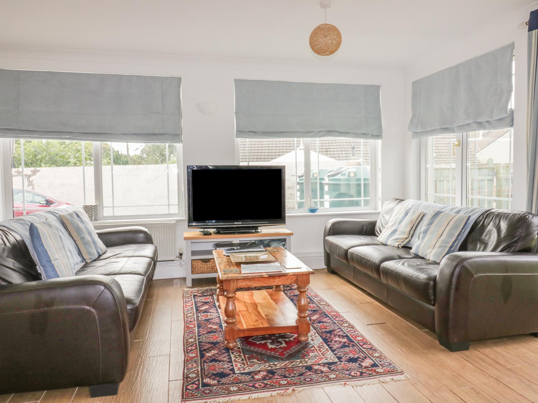 Apartment 1, Trearren