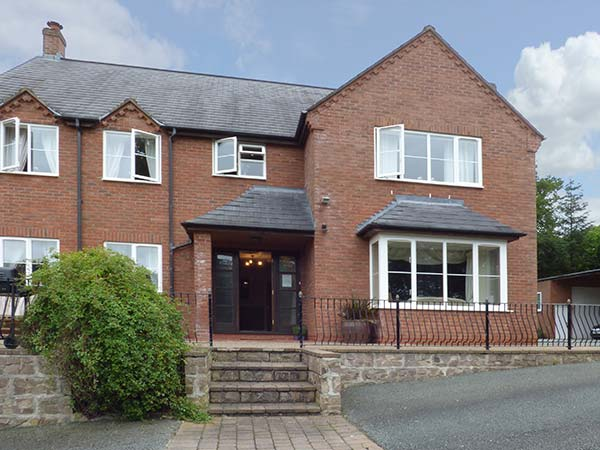 4 bedroom Cottage for rent in Welshpool