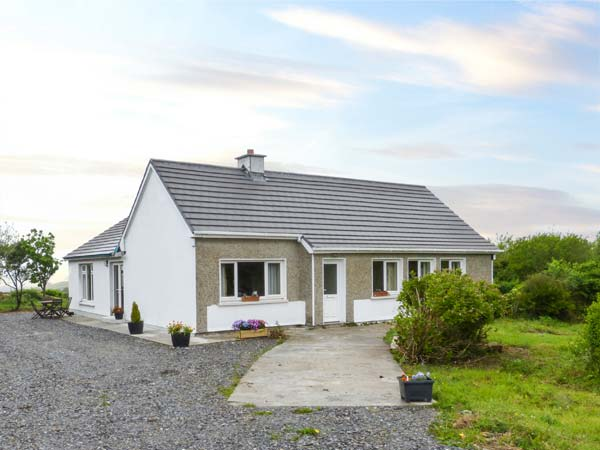 holiday let Claddaghduff, County Galway Thomas' Cottage