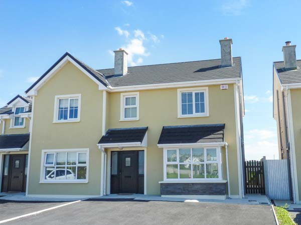 3 bedroom Cottage for rent in Kilkee