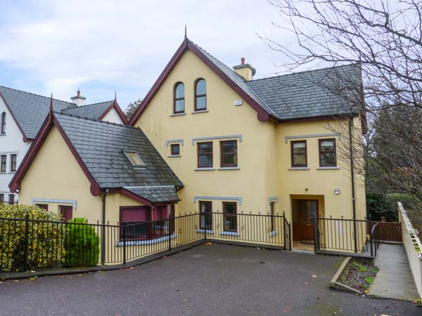5 bedroom Cottage for rent in Skibbereen