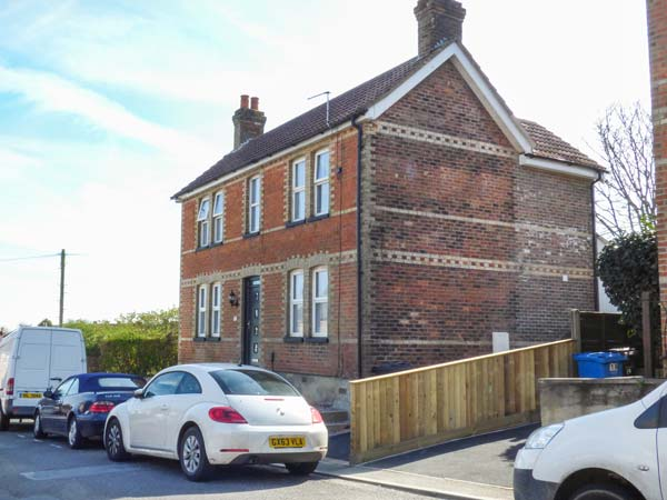 3 bedroom Cottage for rent in Poole