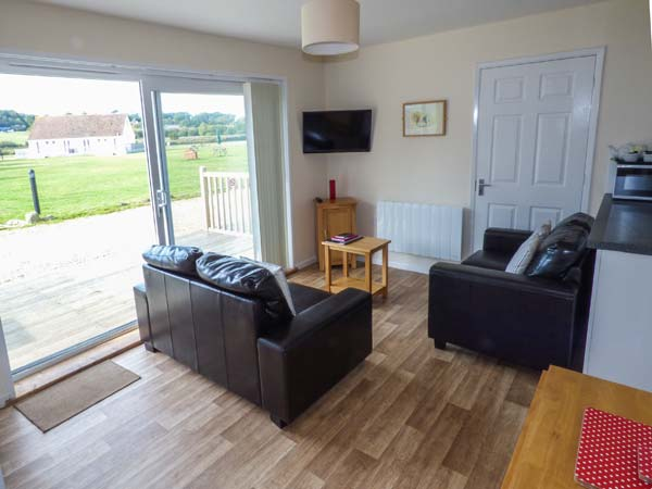 2 bedroom Cottage for rent in Seaview Village