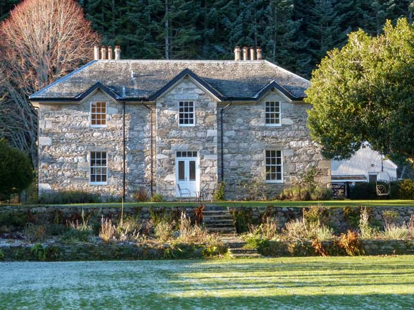 4 bedroom Cottage for rent in Tomintoul