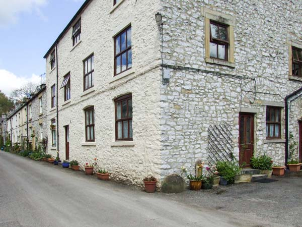 holiday let Litton Mill In Miller's Dale Cherrytree Cottage