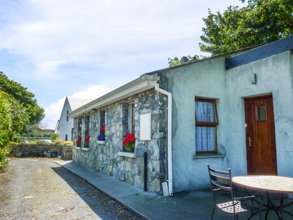 holiday let Ballinderreen, County Galway Sycamore Cottage