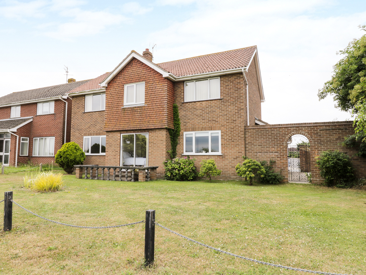 4 bedroom Cottage for rent in Frinton on Sea