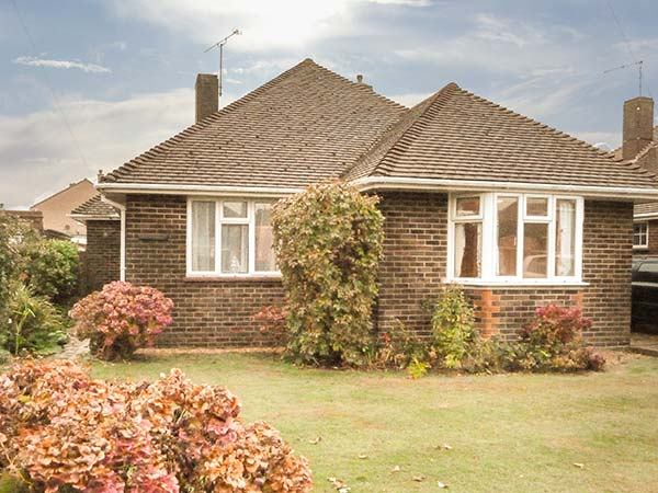 2 bedroom Cottage for rent in Rustington