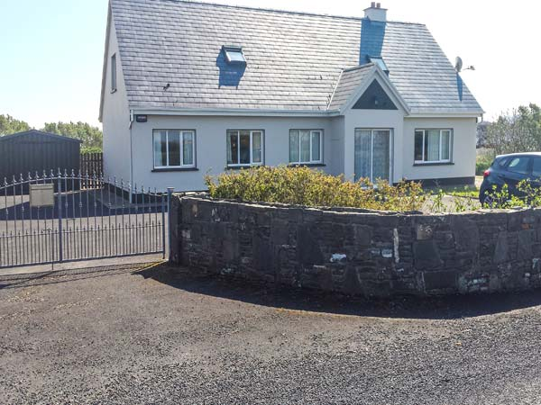 5 bedroom Cottage for rent in Carrigaholt