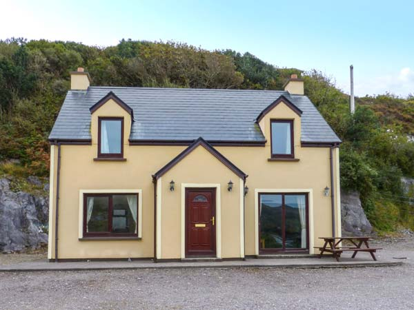 3 bedroom Cottage for rent in Caherdaniel