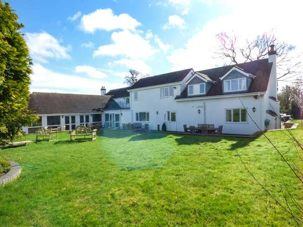 5 bedroom Cottage for rent in Alcester