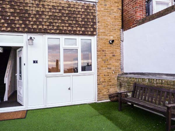 2 bedroom Cottage for rent in Broadstairs