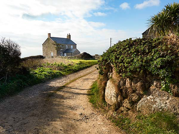 Kemyel Wartha Farmhouse