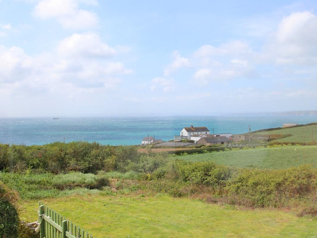 2 bedroom Cottage for rent in Porthleven
