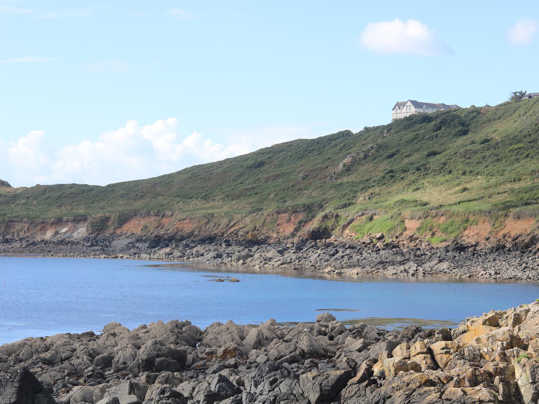 Headland Apt 7