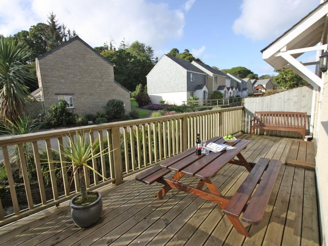 Waters Edge In Falmouth This Modern House Set In Holiday Village Falmouth Resort Can Sleep Six