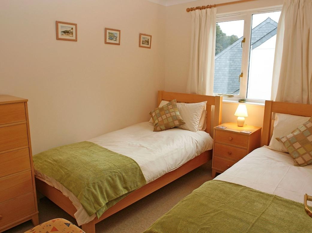 Chough Cottage Image 4