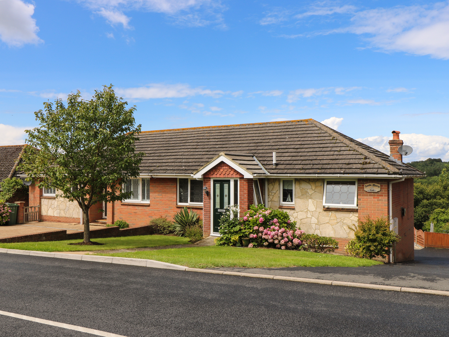 Santa Maria In Ryde This Well Presented Semi Detached