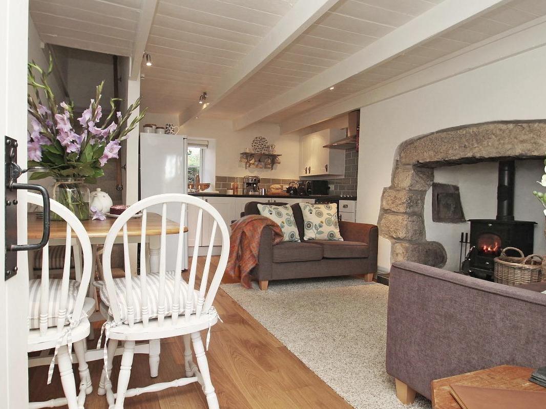Menna Cottage