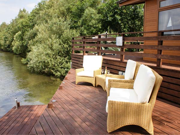 Sundeck lodge in tattershall lakes country park this all for Sundeck flooring