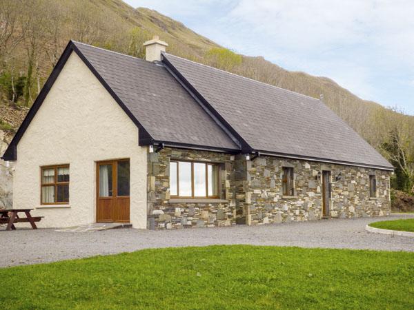 4 bedroom Cottage for rent in Clonbur