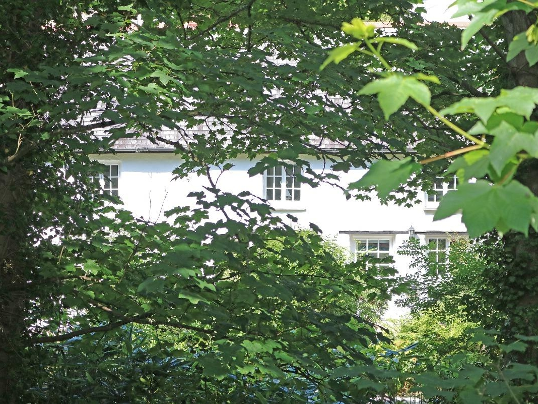 2 Rose Cottages