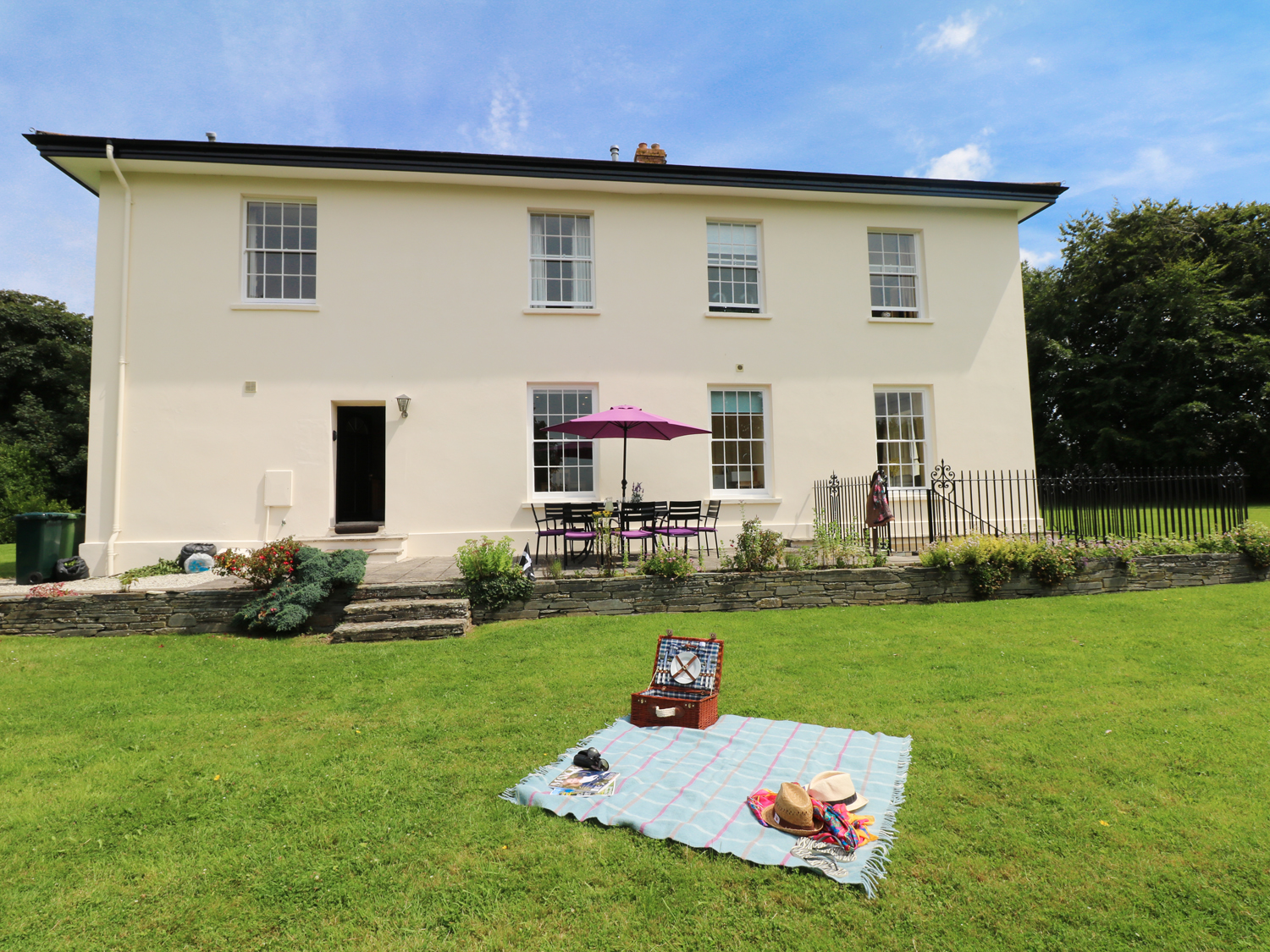 The Old Vicarage, Nr Padstow