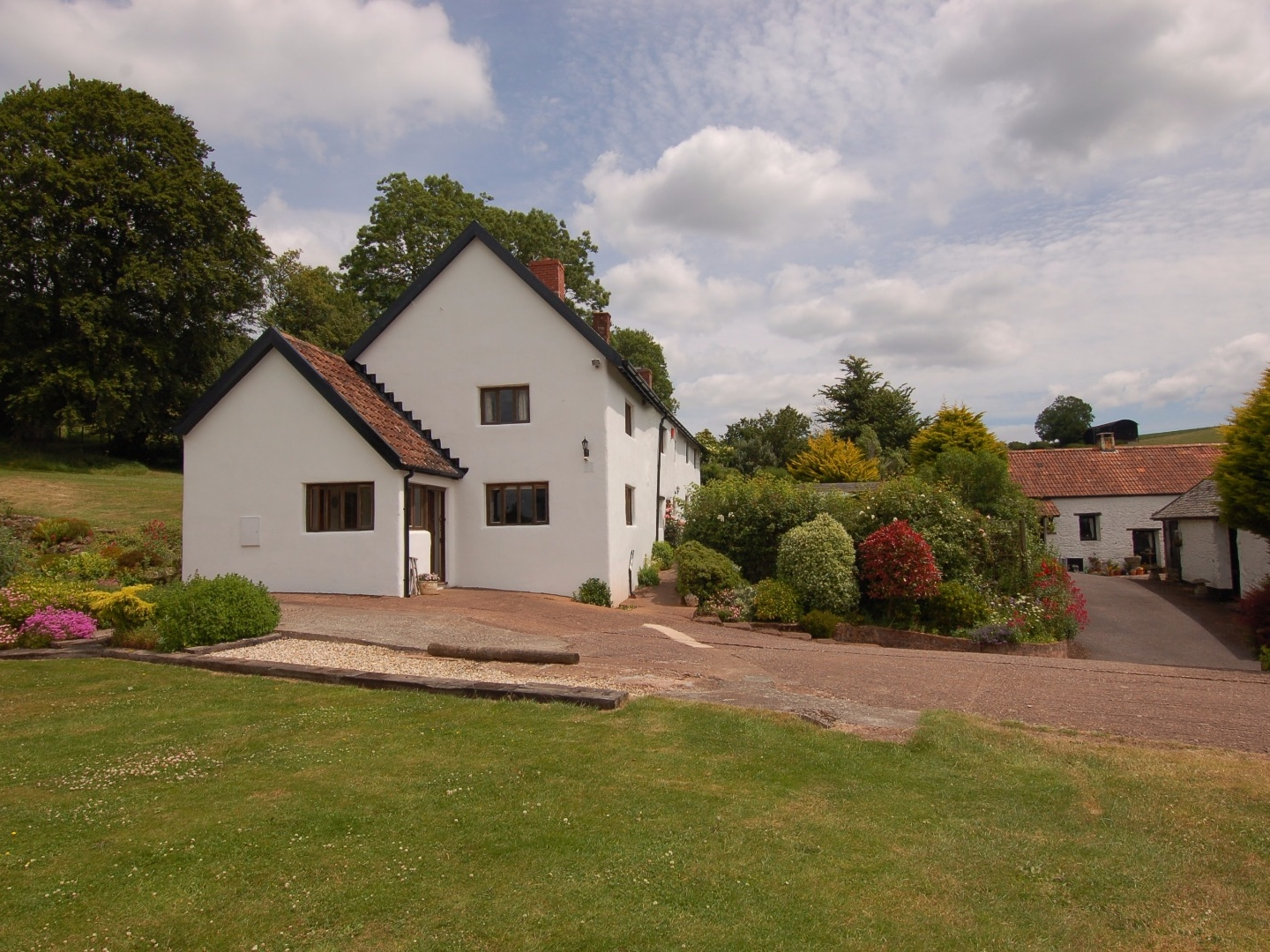 5 bedroom Cottage for rent in Taunton