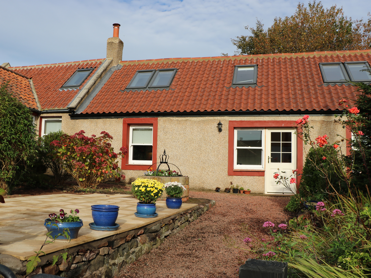 Rose cottage in coldingham a cottage in the scottish for Rose cottage
