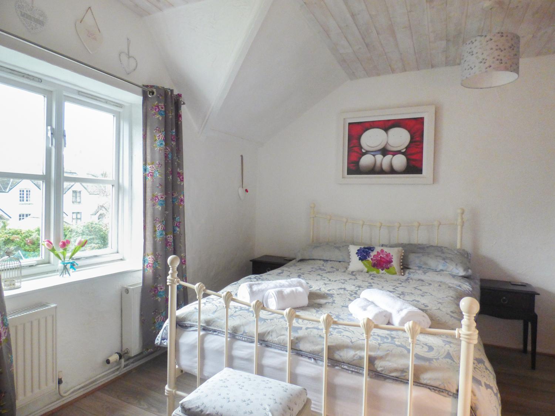 10 Westbridge Cottages