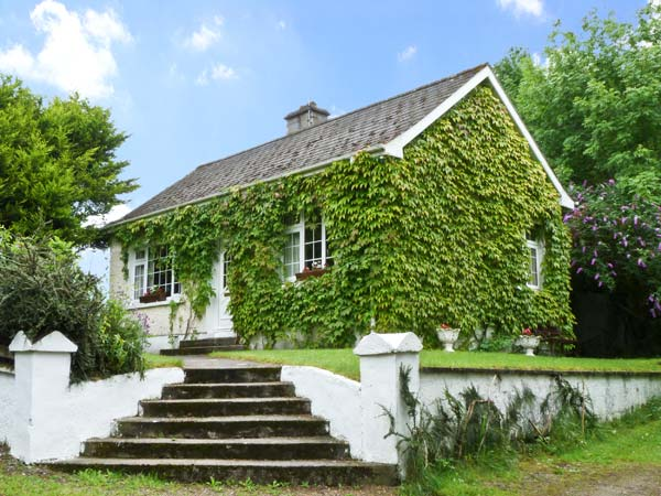 evergreen cottage in cahir county tipperary this