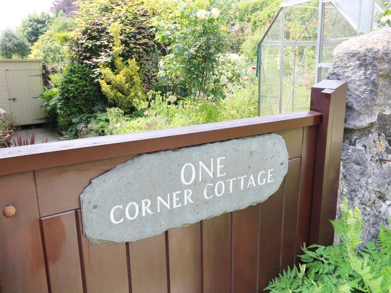 1 Corner Cottages