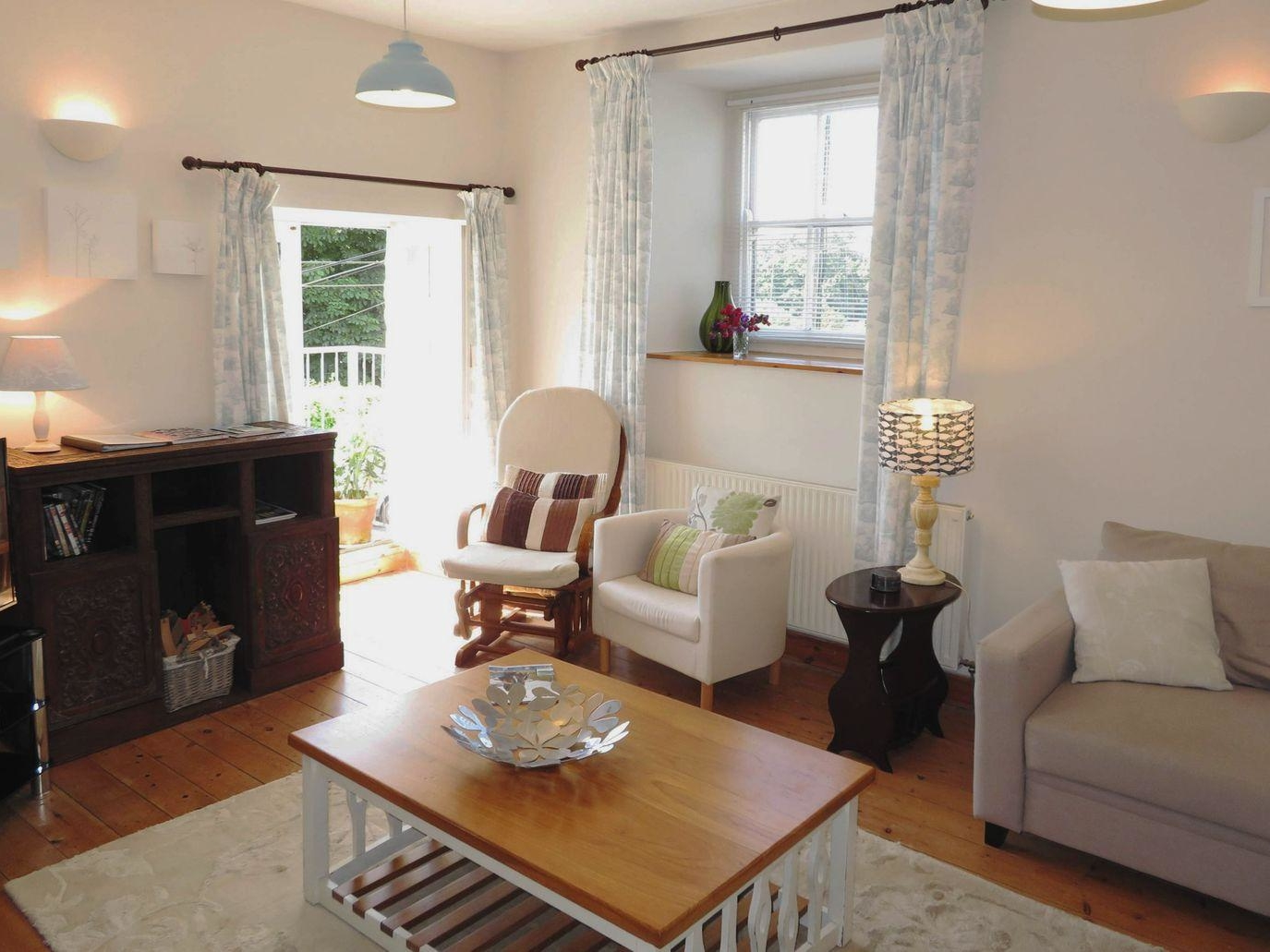 2 Cobbled Ope holiday rental