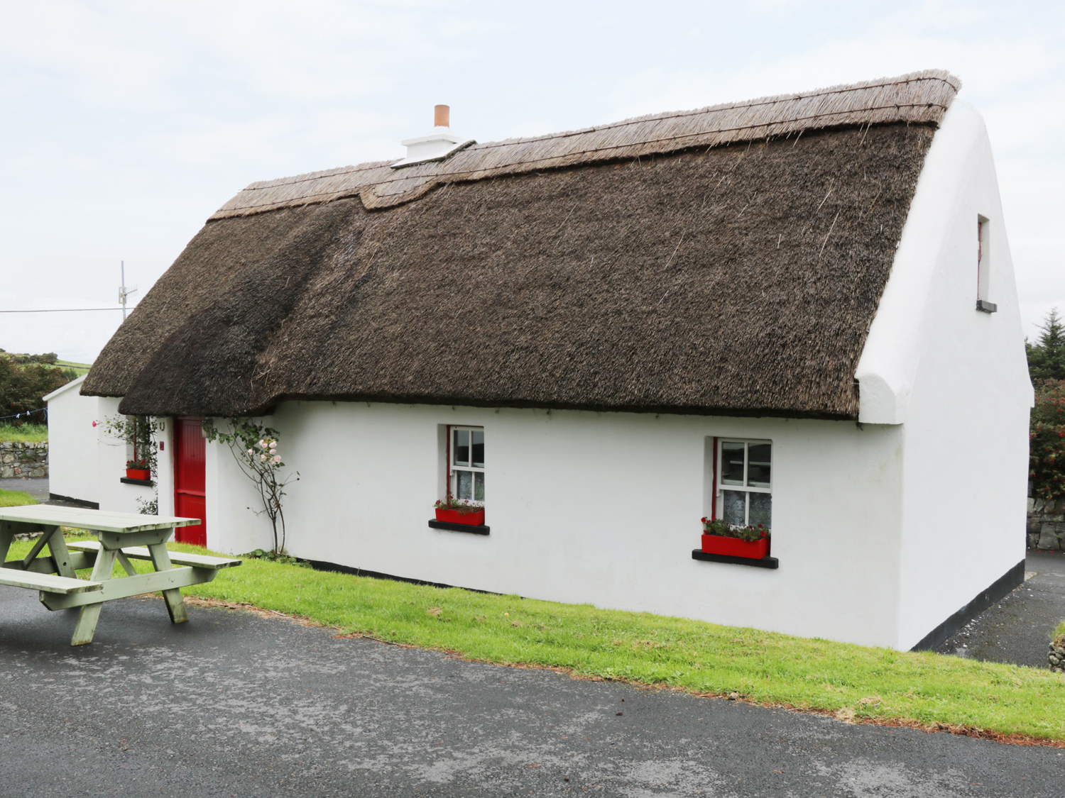 No 9 Renvyle Thatched Cottages