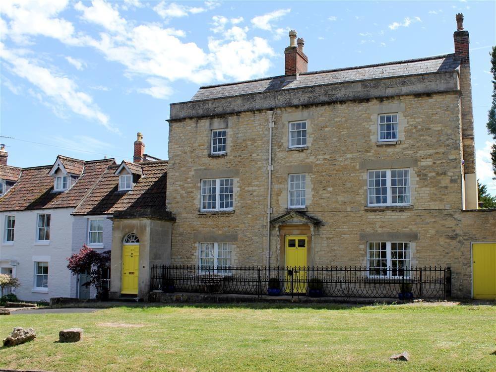 Horsebrook House Apartment