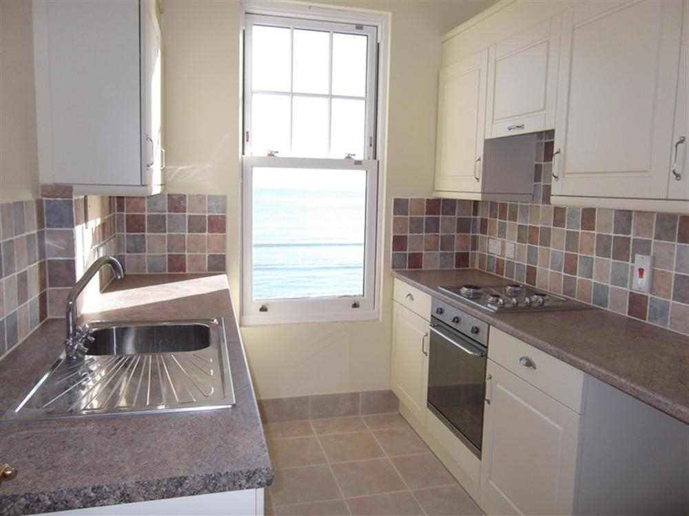 Beach View Apartment 3 Image 12