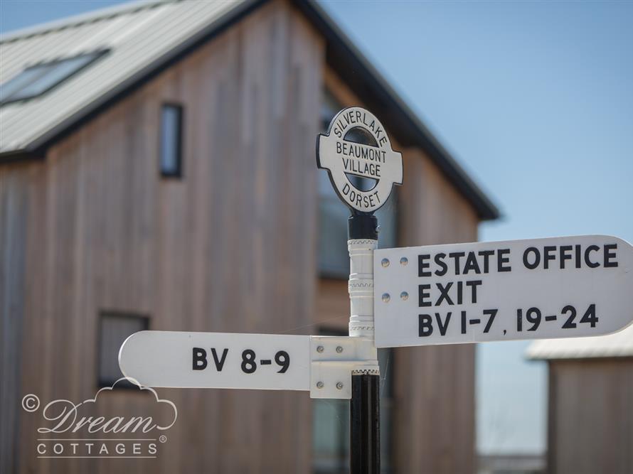 Beaumont Village 19 at Silverlake