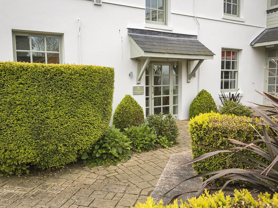 1 The Manor House, Hillfield Village
