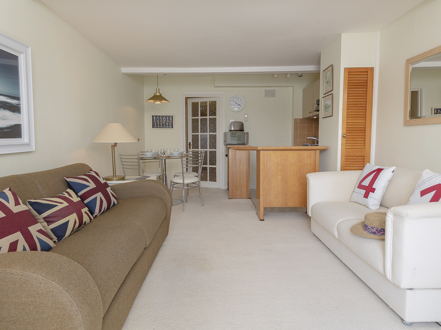 35 The Salcombe Image 16