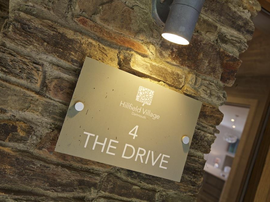 4 The Drive, Hillfield Village Image 15