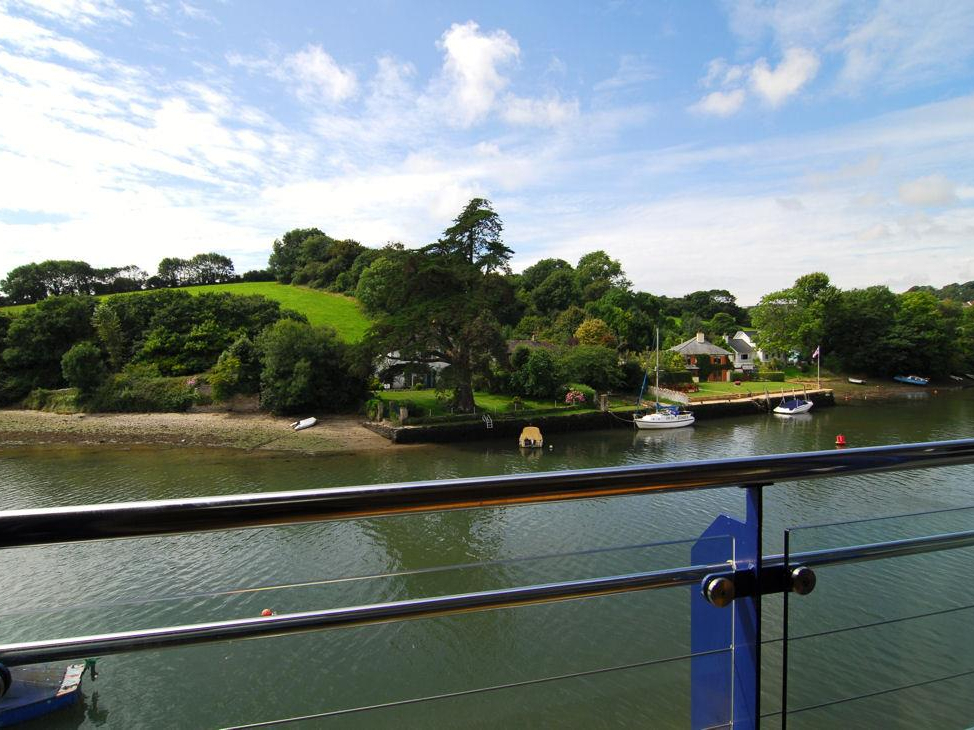 6 Crabshell Quay