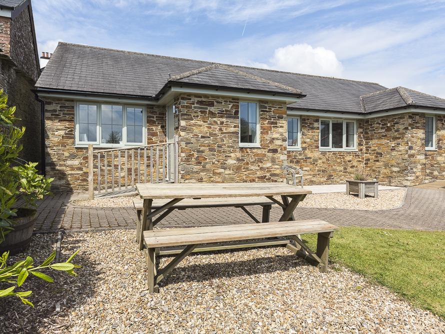 1 Coachman's Cottage, Hillfield Village