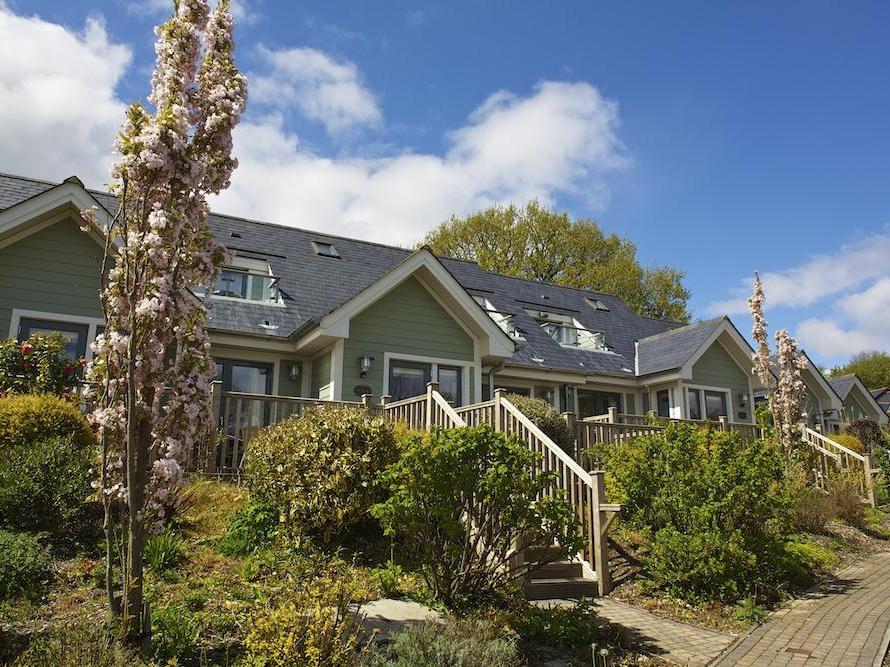 2 Court Cottage, Hillfield Village