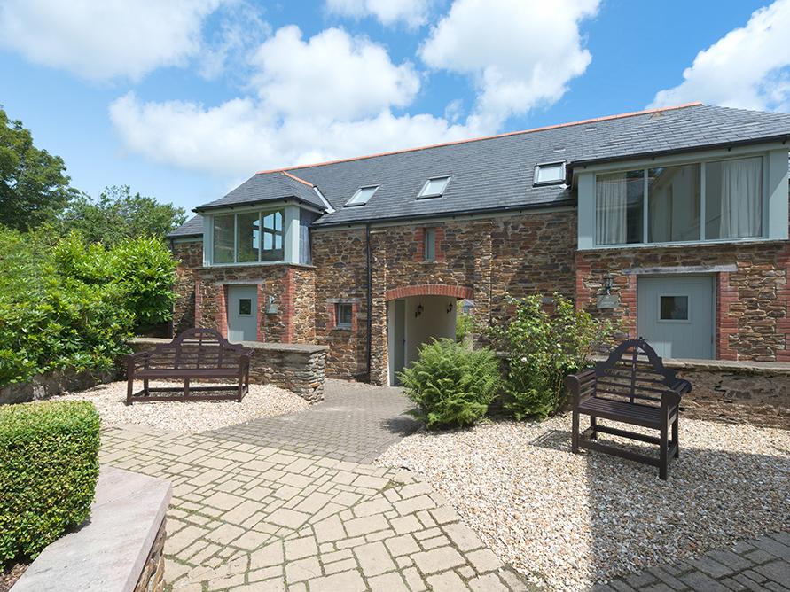 3 New Barn, Hillfield Village