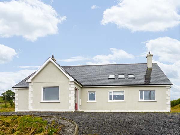 holiday let Castlebaldwin, County Sligo Lough Arrow View