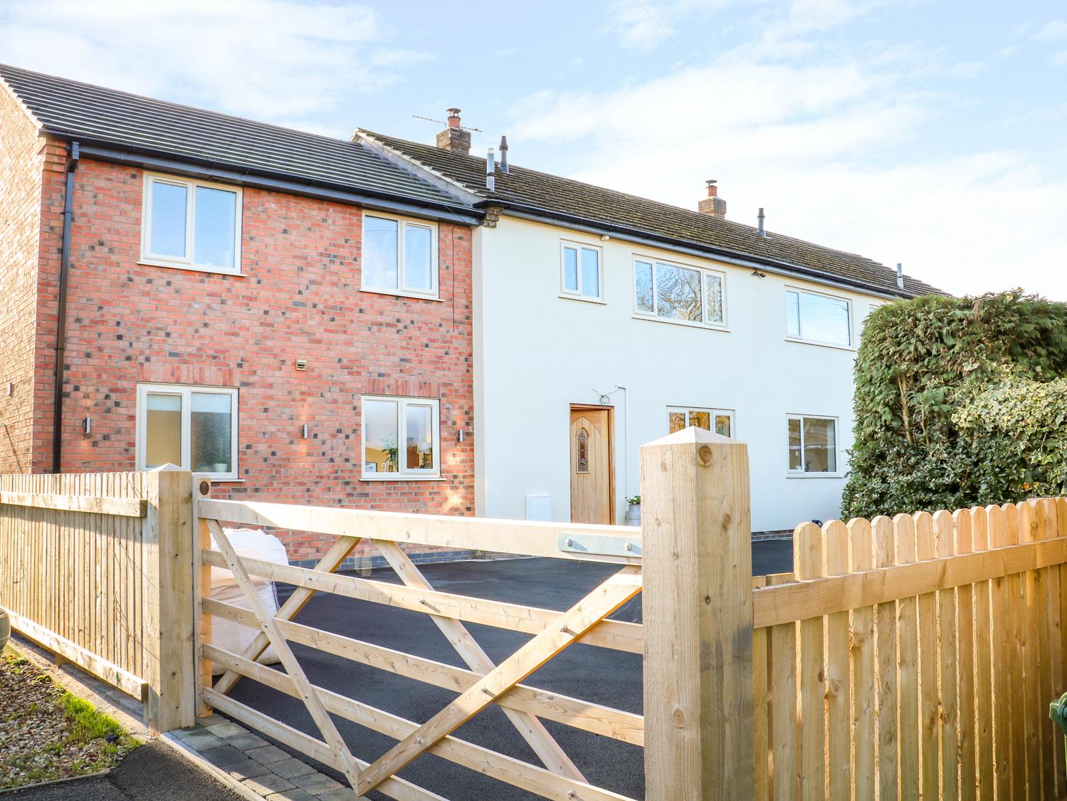 4 bedroom Cottage for rent in Derby