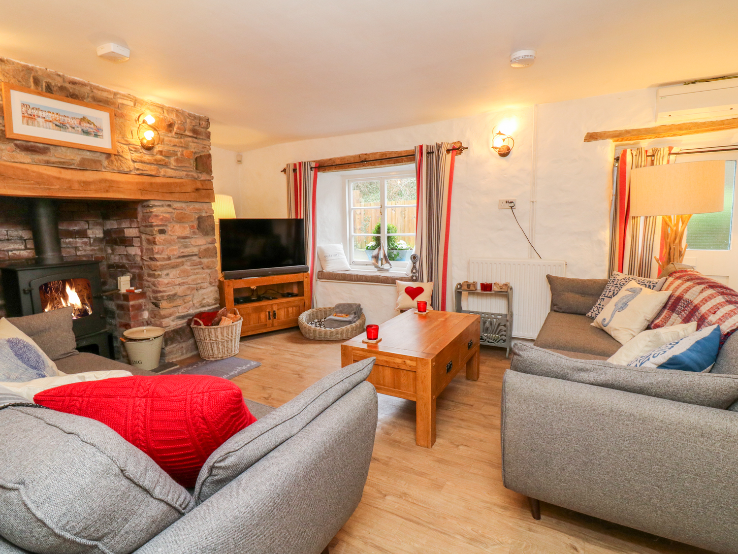 4 bedroom Cottage for rent in Combe Martin