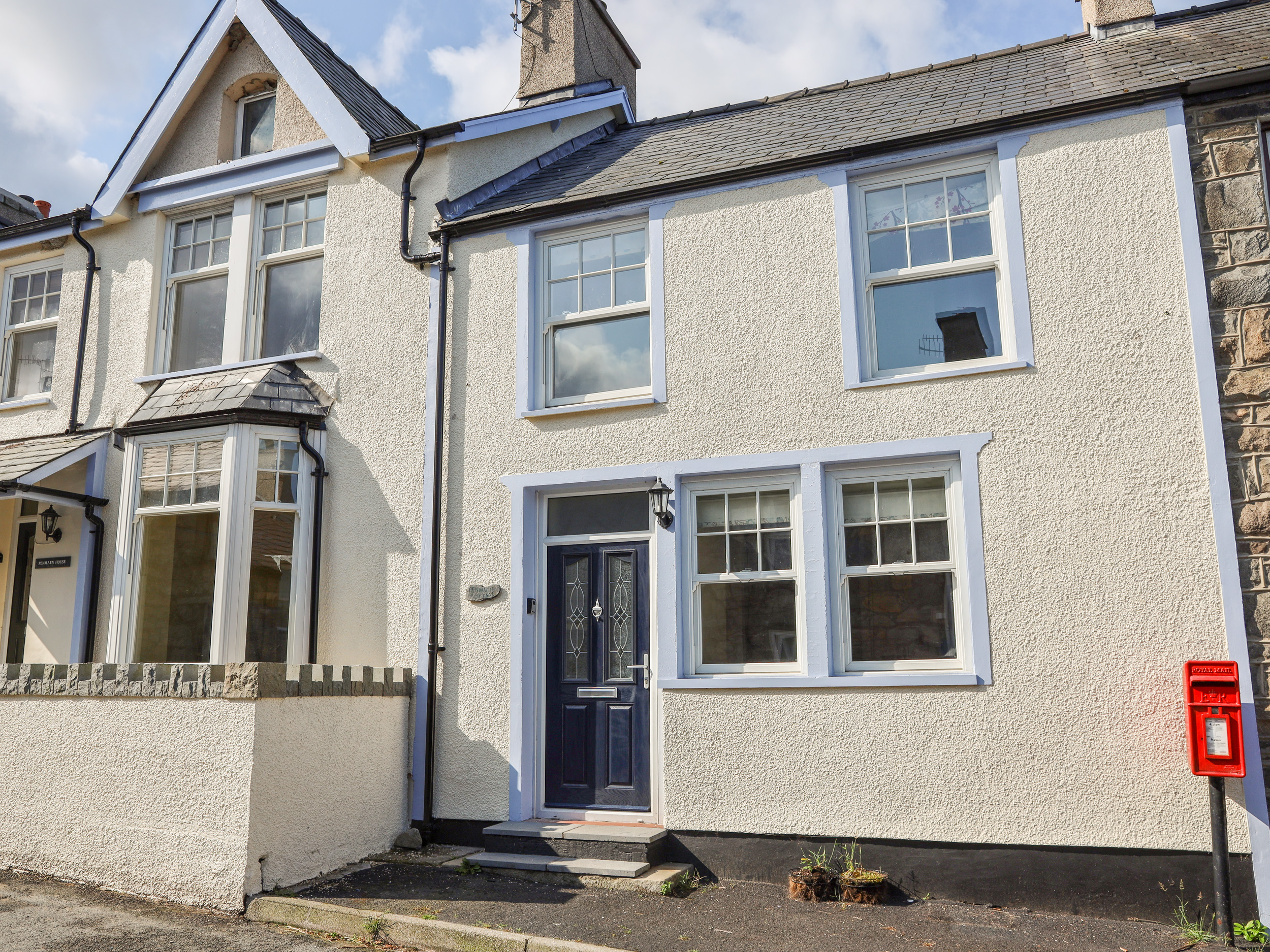 3 bedroom Cottage for rent in Llangefni