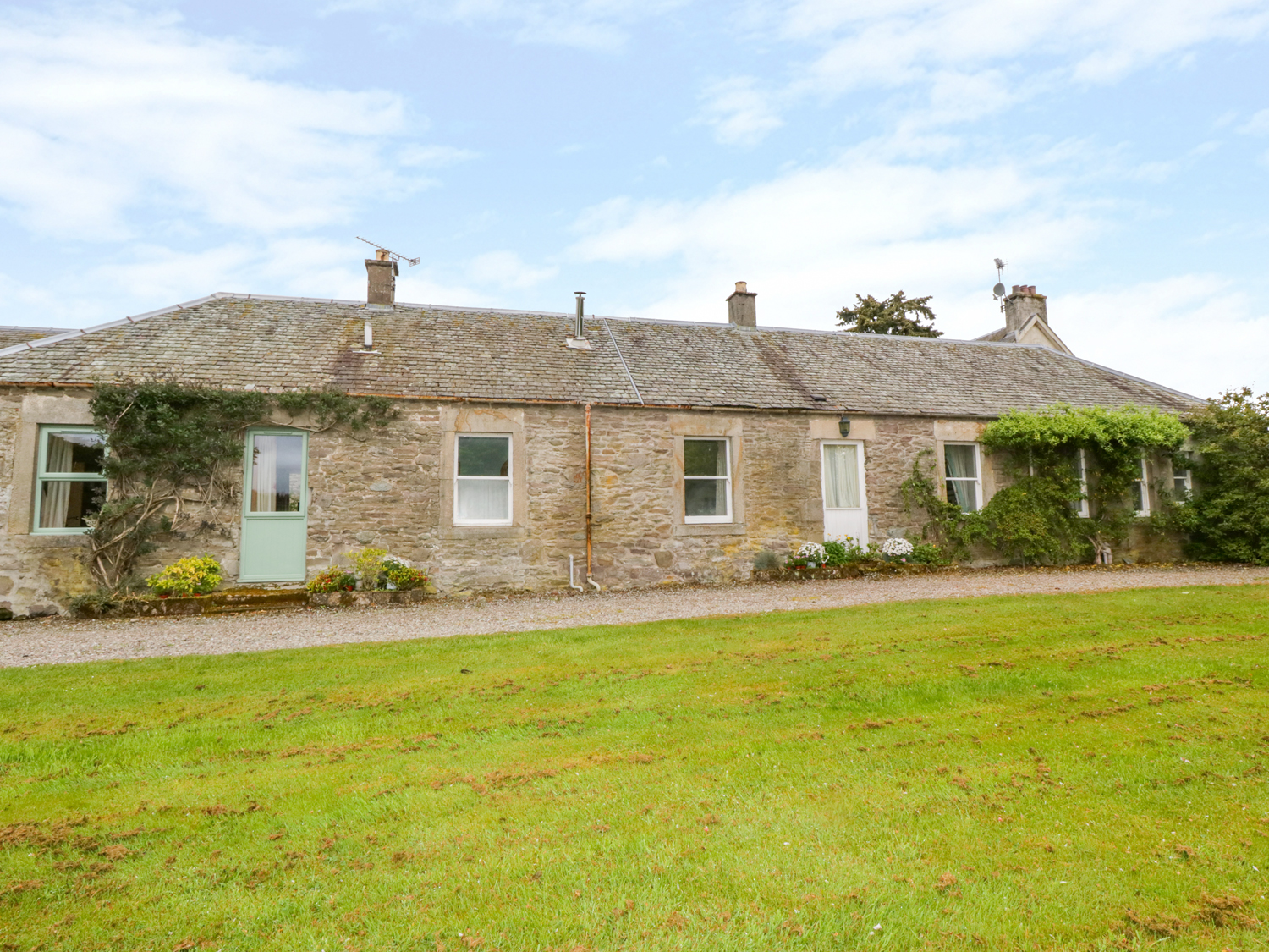 4 bedroom Cottage for rent in Doune