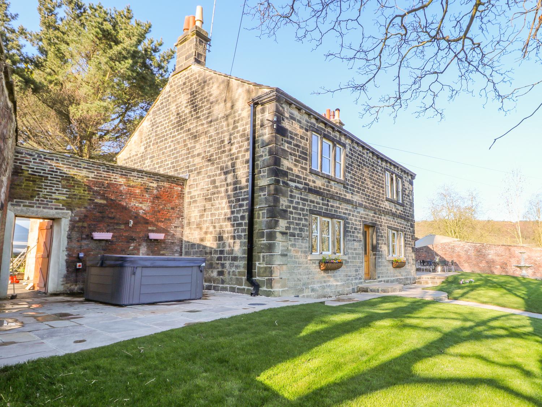4 bedroom Cottage for rent in Bradford